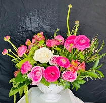 Roses & Ranunculus Beauty